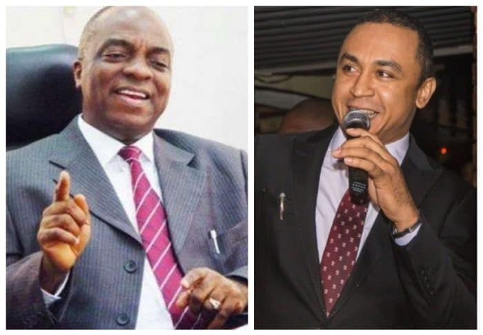 Photo of Bishop Oyedepo agrees with Daddy Freeze that marriage vows are satanic?