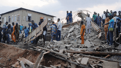 Photo of Many People still trapped in Three-Storey Building Collapse in Ibadan