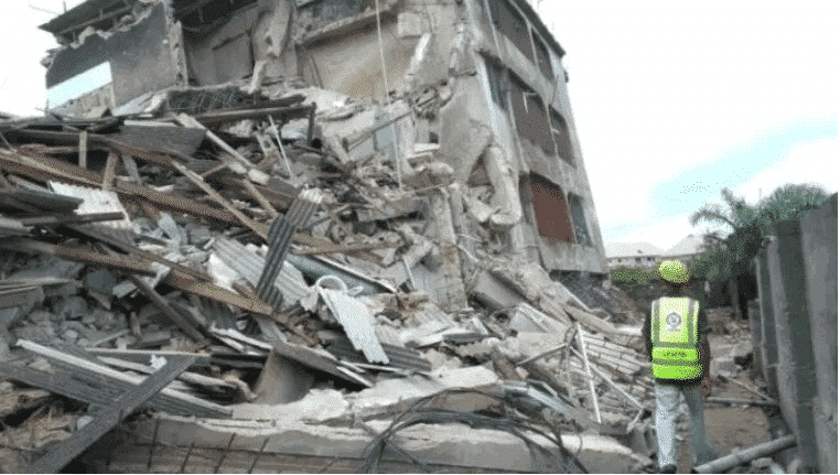 Photo of Victims rescued from Oke Arin building collapse in Lagos