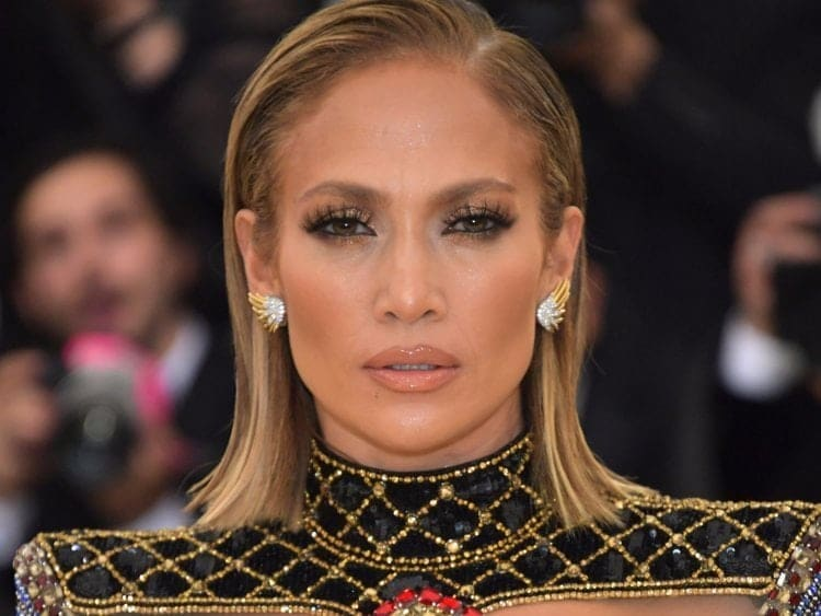 Photo of Jennifer Lopez thinks guys are useless until they turn 33