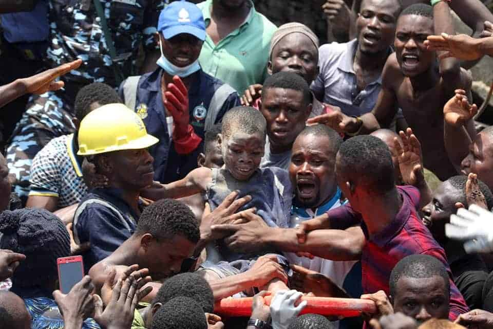 Photo of Lagos school building collapse:  Government commences demolition of 180 buildings