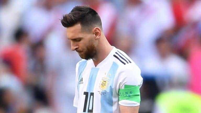Photo of Lionel Messi is disrespectful – Dani Alves