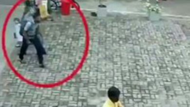 Photo of Watch CCTV footage of suicide bomber entering a Church in Sri Lanka