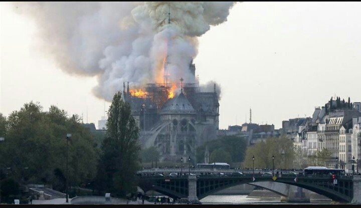 Photo of Fire breaks out at Notre Dame cathedral in France's Paris