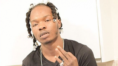 Photo of Fans go violent after Naira Marley was barred from performing at UNILAG