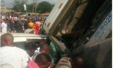 Photo of 8 feared dead as Dangote truck fails its brake