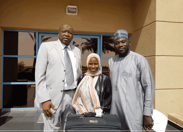 Zainab Aliyu with Officials of the Nigerian Consulate in Jeddah, shortly after her release from prison