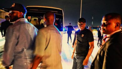 Photo of Sanwo-Olu arrests danfo driver driving through one-way on Eko bridge (photos)