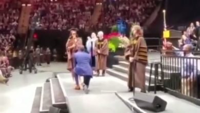 Photo of #Doublecelebration: Lady gets a ring at her convocation (watch)