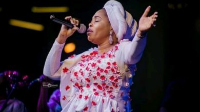Photo of Gospel singer, Tope Alabi reveals the amount of times she had s3x before marriage
