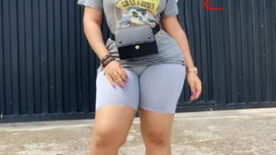 Photo of Moyo Lawal caught photoshopping one side of her butts (Photos)