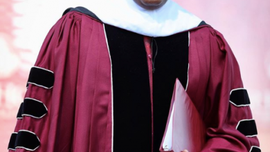 Photo of Billionaire Robert Smith shocks 400 graduating students at Morehouse College