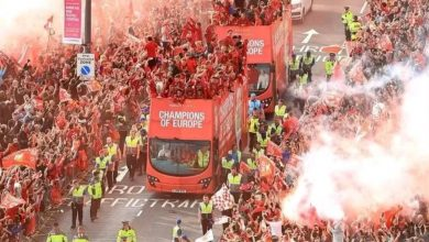 Photo of Fans take to the streets as Liverpool goes on UCL trophy parade (Photos)