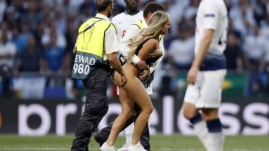 Photo of Kinsey Wolanski: Woman streaks at the Champions League Final (photos)