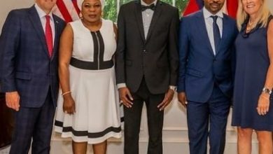 Photo of MC Oluomo breaks the Internet with family pose with Governor of Georgia, USA (photos)