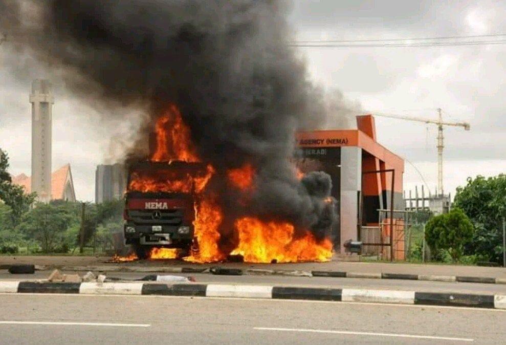 Shi'ites burn down NEMA station
