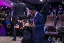 Photo of Pastor Biodun Fatoyinbo goes on vacation with wife as Police return his seized passport