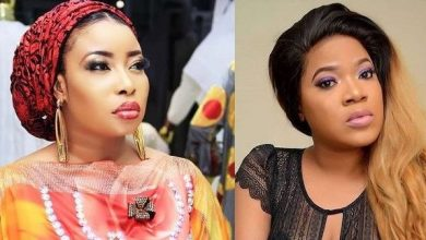 Photo of Toyin Abraham releases her childbirth video in reaction to Lizzy Anjorin's claim of giving birth in a trado house
