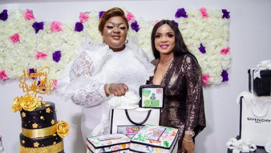 Photo of Iyabo Ojo stands by Eniola Badmus as other colleagues shun her birthday party (photos)