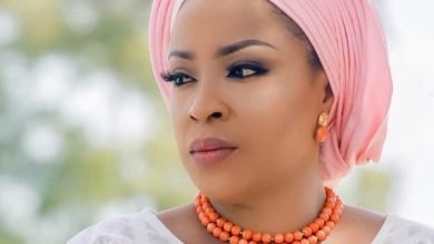 Photo of KWAM1 confirms Dolapo Awosika as Prophet Kasali's Wife, praises couple at Ooni of Ife's Party (Video)