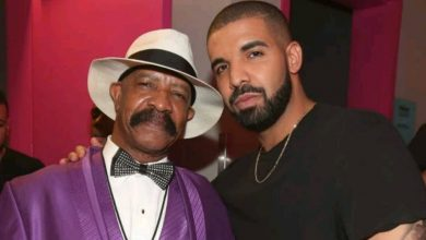 Photo of Drake reacts as his father claims he lied about their relationship to help him sell records