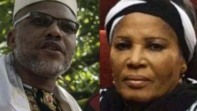 Photo of Nnamdi Kanu blames Federal Government for death of his mother