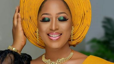 Photo of This Black and Mustard traditional bridal look is everything and more