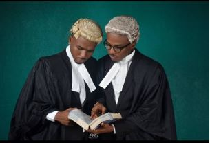 Photo of Identical twins called to bar…graduate with first class honours (photos)