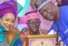 Photo of Pa Kasunmu's state of health, moves many to tears at Foluke Daramola's awards for Nollywood veterans (photos)