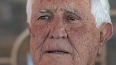 Photo of Australia's James Bond, George Lazenby, 80, boasts about bedding more than a thousand women