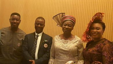 Photo of What happened when a lady tried to take a picture of Leke Adeboye and Dr. D.K Olukoya