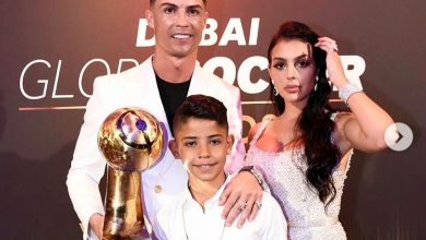 Photo of Ronaldo turns up with family, wins Best Player of the Year award at Globe Soccer Awards (Photos)