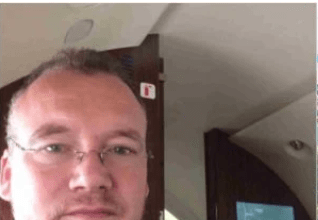 Photo of White man infuriated over inability to attain Nigerian citizenship