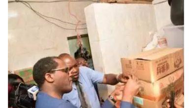 Photo of Coronavirus: Panic as FG shuts down Abuja supermarket (photos)