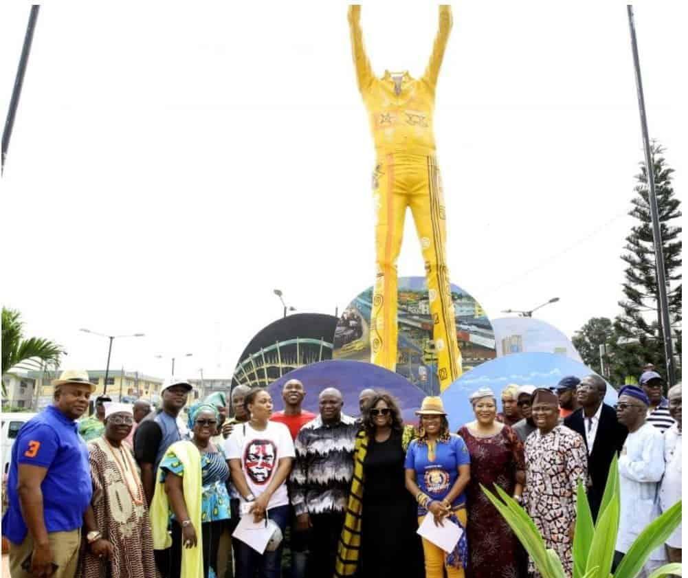 Fela statue