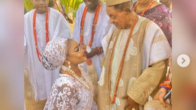 Photo of Actress Tayo Sobola catches the eye of the Alaafin of Oyo, meets his Oloris