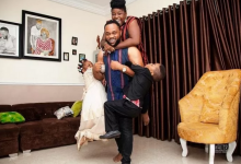 Photo of Bukola Arugba reveals the true story behind her 'perfect' family shoot with Damola Olatunji and their twins