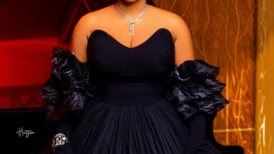 Photo of Bobrisky, Mercy Aigbe and her tailor steal show with Dollar rain at Owambe