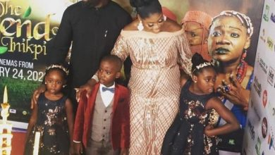 Photo of Pregnant Mercy Johnson and family step out for movie premiere (photos)