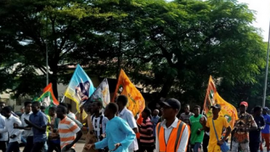 Photo of World war 3: Shi'ites protest in Abuja, burn US flag