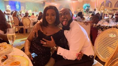 Photo of Davido poses with Chioma's b**bs at his brother's wedding in Abu Dhabi