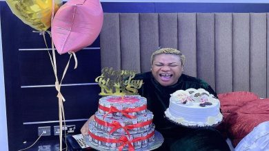 Photo of Nkechi Blessing receives surprise gifts from Toyin Abraham, others as she marks her birthday on Valentine's Day