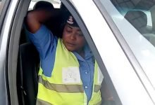 Photo of Lady accuses policewoman of harassing her on her way to work in Abuja