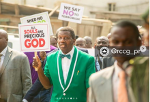 Photo of Pastor Adeboye praised by politicians for staging a protest against killings in Nigeria