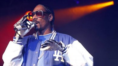 Photo of Snoop Dogg warns ladies against cosmetic surgery, shares picture to show horrible consequence