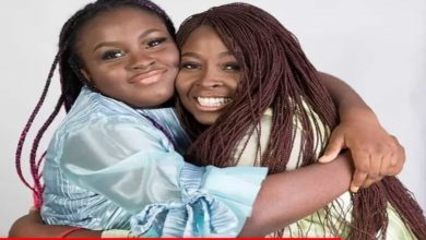 Photo of OAP Lolo and her first daughter could pass as twins