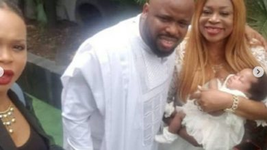 Photo of Sinach excited as she dedicates her baby girl in Church (photos)