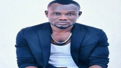 Photo of Popular actor allegedly accused of asking females on social media for n**e Pictures