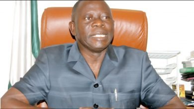 Photo of Trending video of APC national chairman Adams Oshiomhole working out at the gym