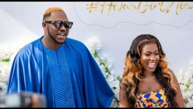 Photo of Actress Fella Makafui's mother-in-law calls her liar after collapsing during wedding to Medikal (Video)